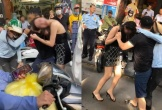 Chồng che chắn cho bồ thoát thân khi vợ chặn đường đánh ghen