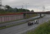 Kinh hoàng cảnh xế hộp lộn nhiều vòng khi đi tốc độ cao, mất lái trên cao tốc