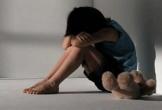 Tin tưởng bạn quen qua mạng, bé gái 13 tuổi bị gã Sở Khanh lừa vào nhà nghỉ để hiếp dâm