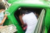 Tài xế taxi đỡ đẻ cho sản phụ ngay trên ô tô