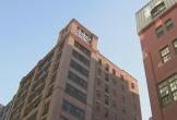 Mẹ ôm con 5 tuổi nhảy xuống từ tòa nhà 12 tầng