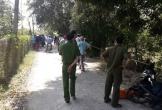 Tá hỏa phát hiện thi thể người đàn ông hai tay bị quấn vải trôi dưới kênh