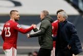 Man Utd đẩy Mourinho vào khủng hoảng