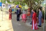 Phòng dịch COVID-19, nhà trai và nhà gái trao sính lễ ngay tại chốt kiểm dịch