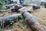 Đà Nẵng: Nhóm công nhân điện lực bỏ chạy khi đào trúng 12 đầu đạn 120 ly