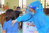 Nữ giáo viên tiêm 2 mũi vắc-xin AstraZeneca... cách nhau 10 phút
